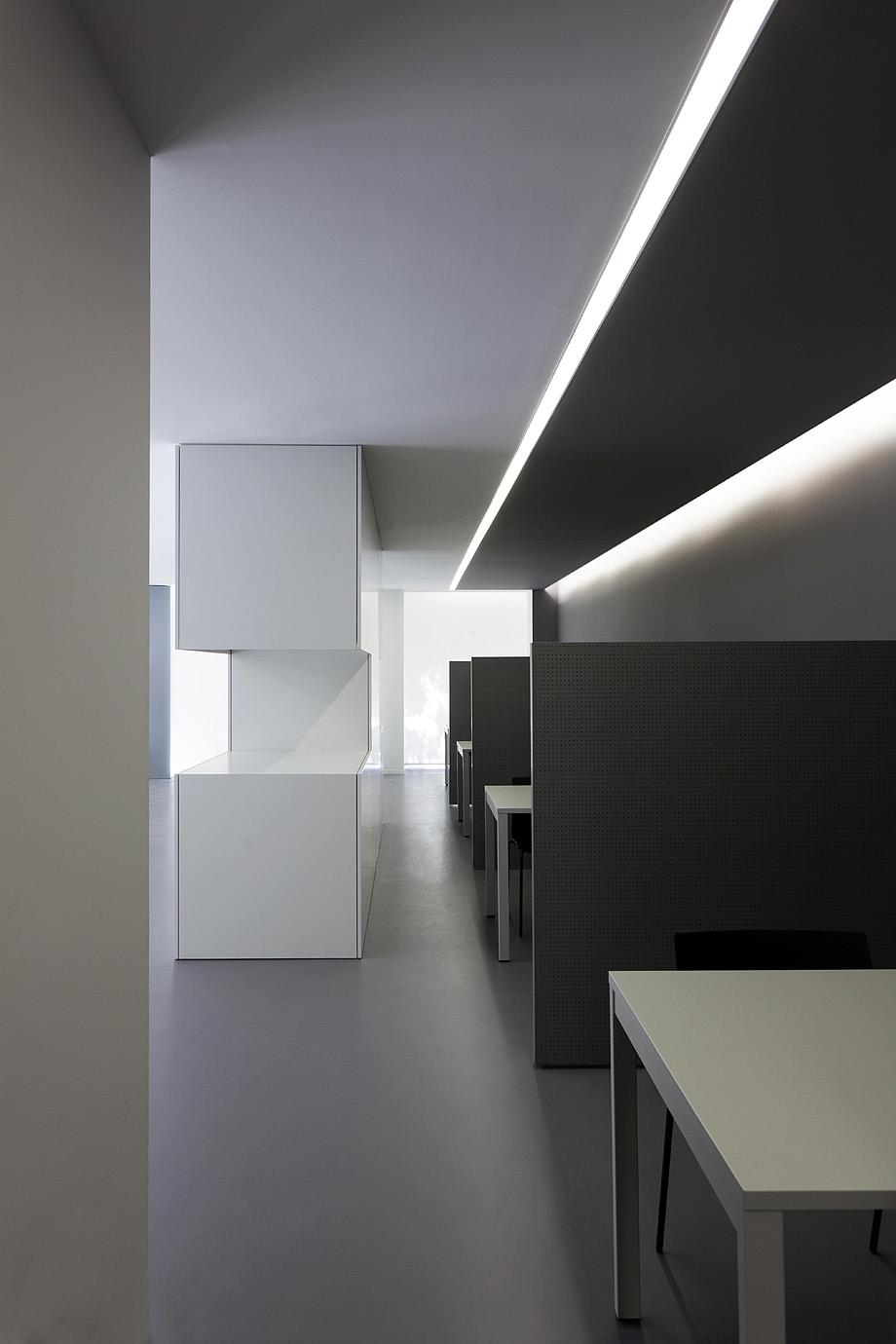 oficinas oav de fran silvestre arquitectos - foto diego opazo (24)