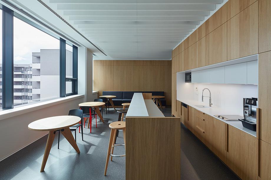 oficinas lucron de cechvala architects - foto boysplaynice (11)