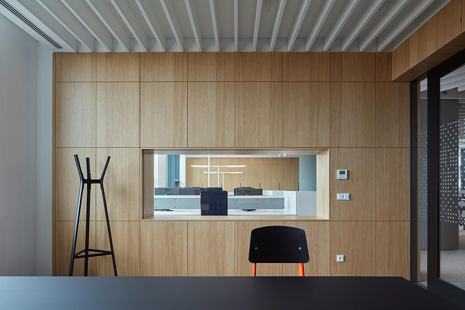 oficinas lucron de cechvala architects - foto boysplaynice (18)