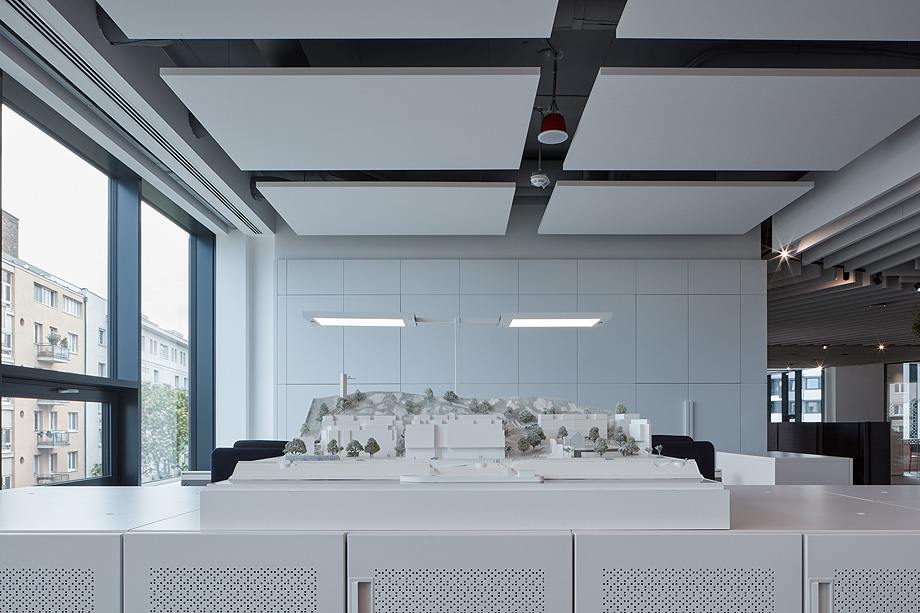 oficinas lucron de cechvala architects - foto boysplaynice (21)