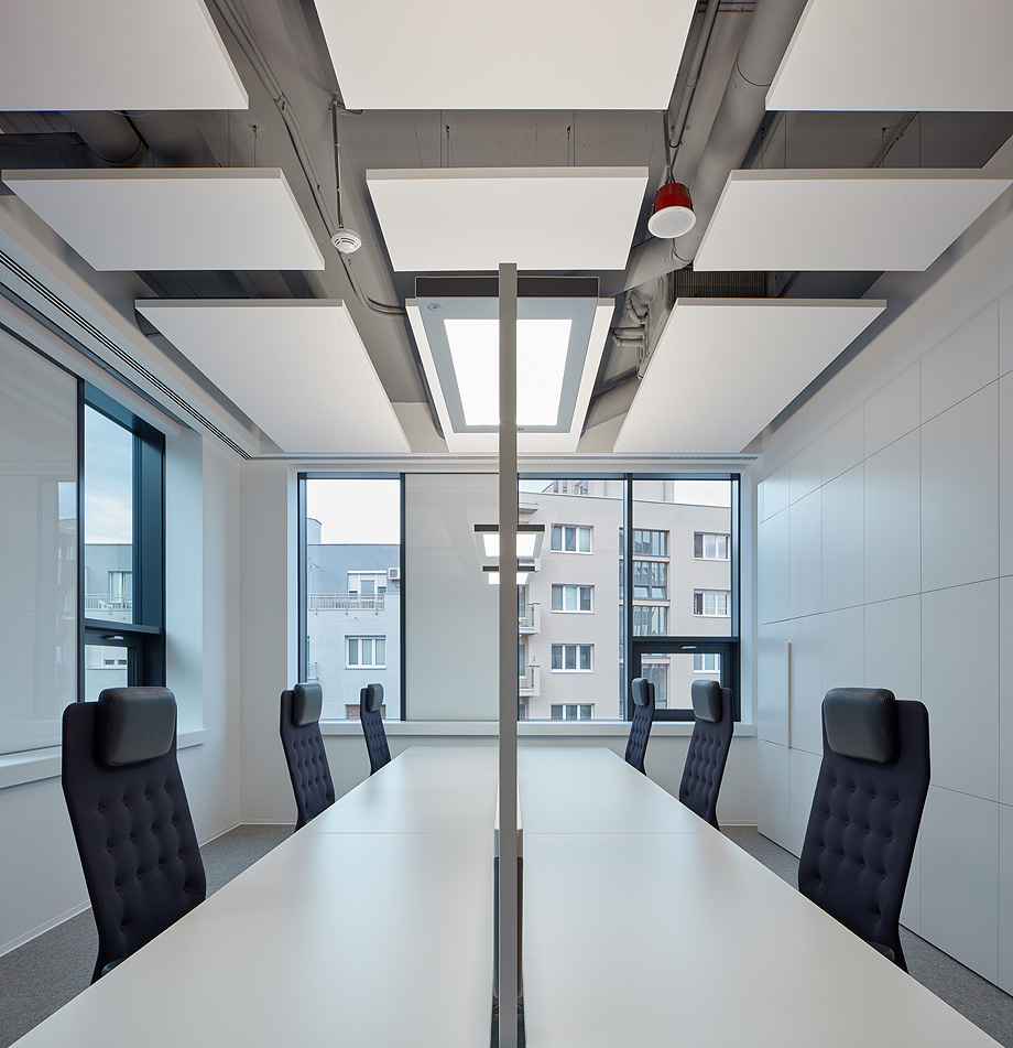oficinas lucron de cechvala architects - foto boysplaynice (22)