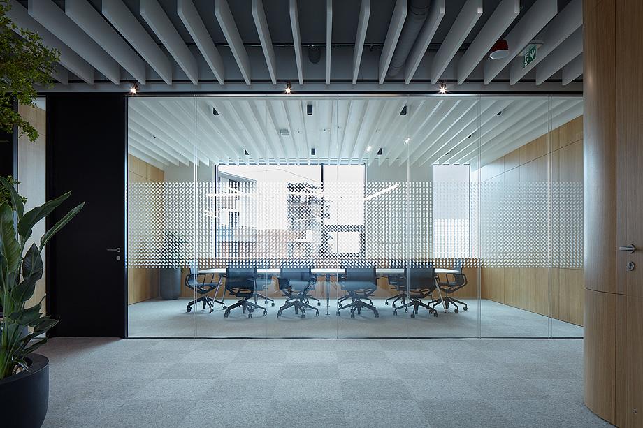 oficinas lucron de cechvala architects - foto boysplaynice (5)