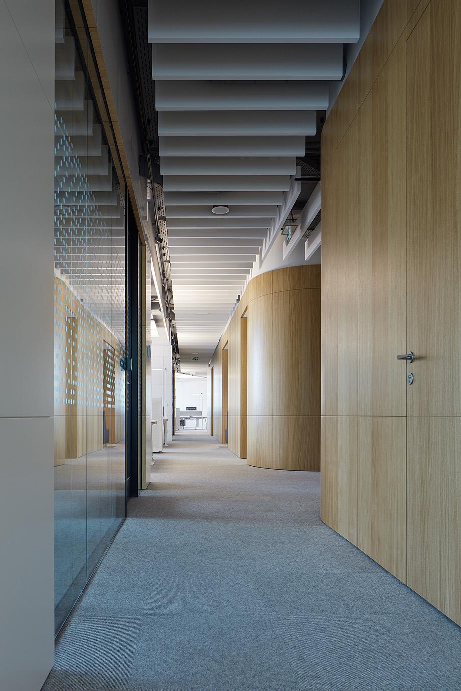 oficinas lucron de cechvala architects - foto boysplaynice (8)