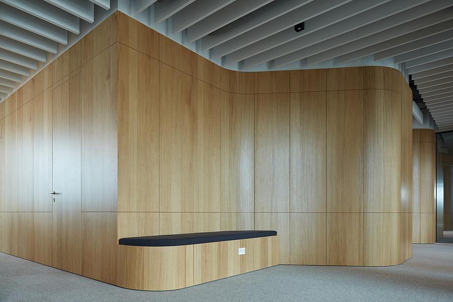oficinas lucron de cechvala architects - foto boysplaynice (9)
