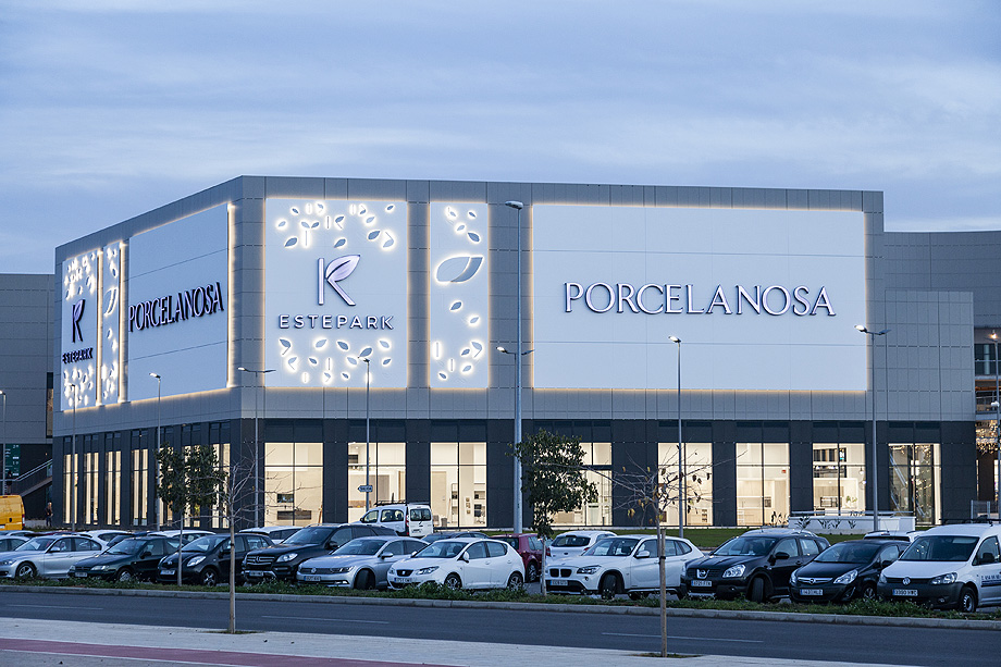 showroom porcelanosa estepark castellon (13)