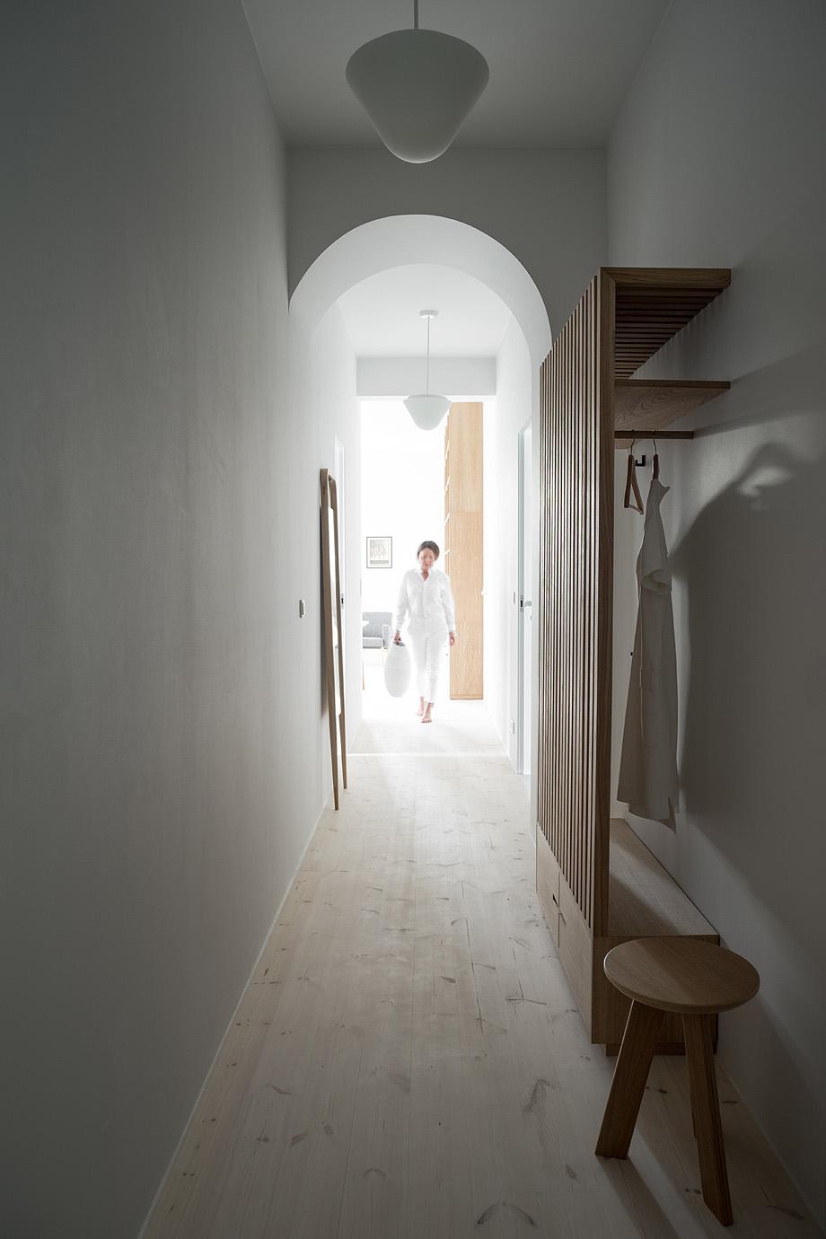 apartamento en varsovia de loft kolasinski - foto joel hauck (23)