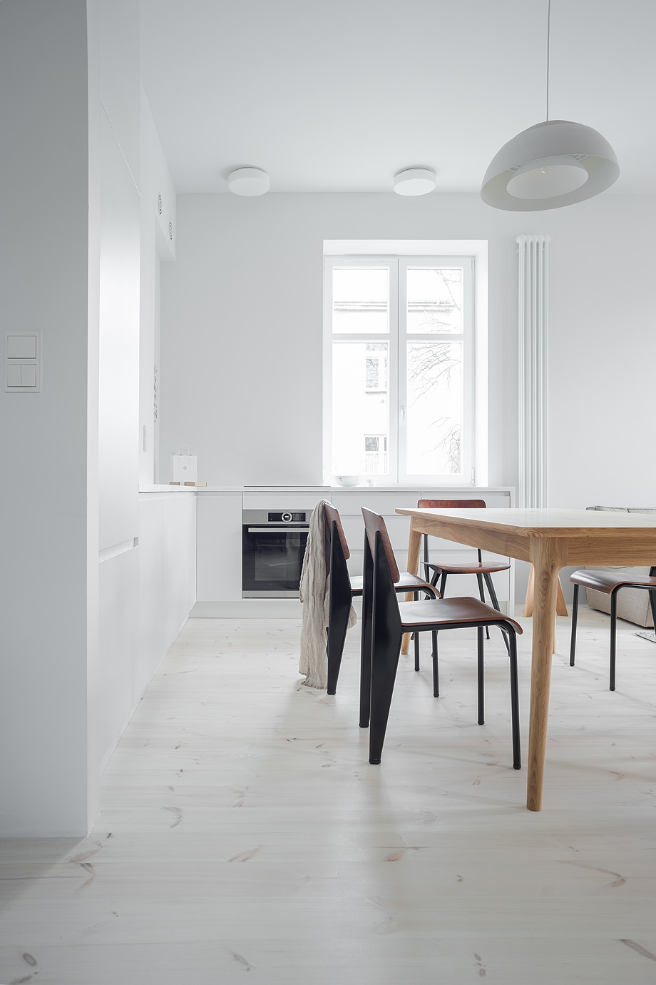 apartamento en varsovia de loft kolasinski - foto joel hauck (3)