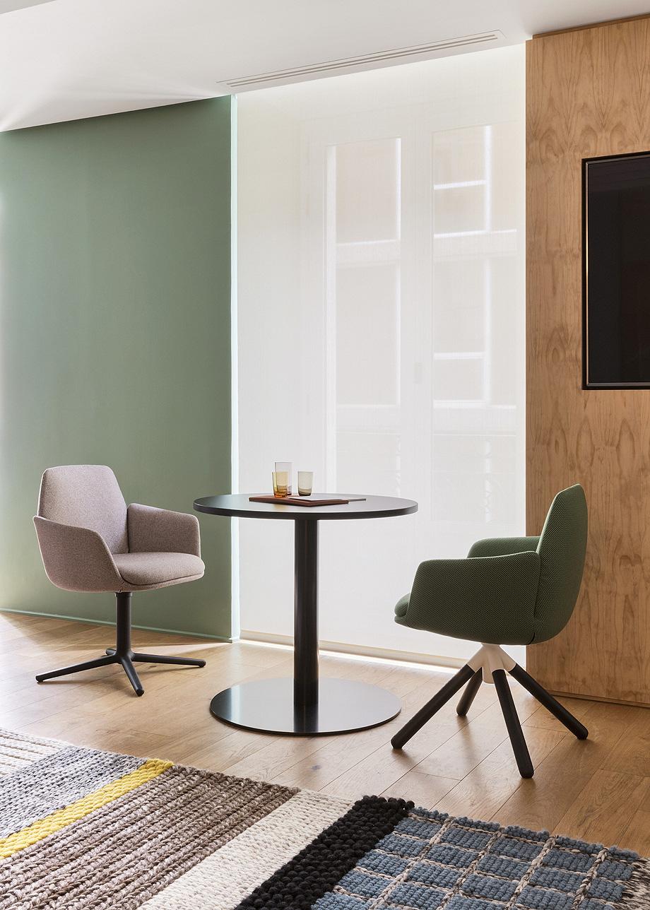 patricia urquiola diseña el nuevo showroom de haworth en madrid - foto manolo yllera (15)