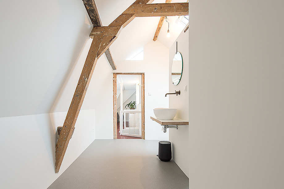 casa en la haya de bloot architecture - foto mirko merchiori (10)