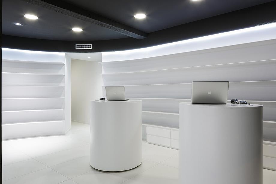farmacia j3 de ciria alvarez arquitectos - foto fernando andres (10)