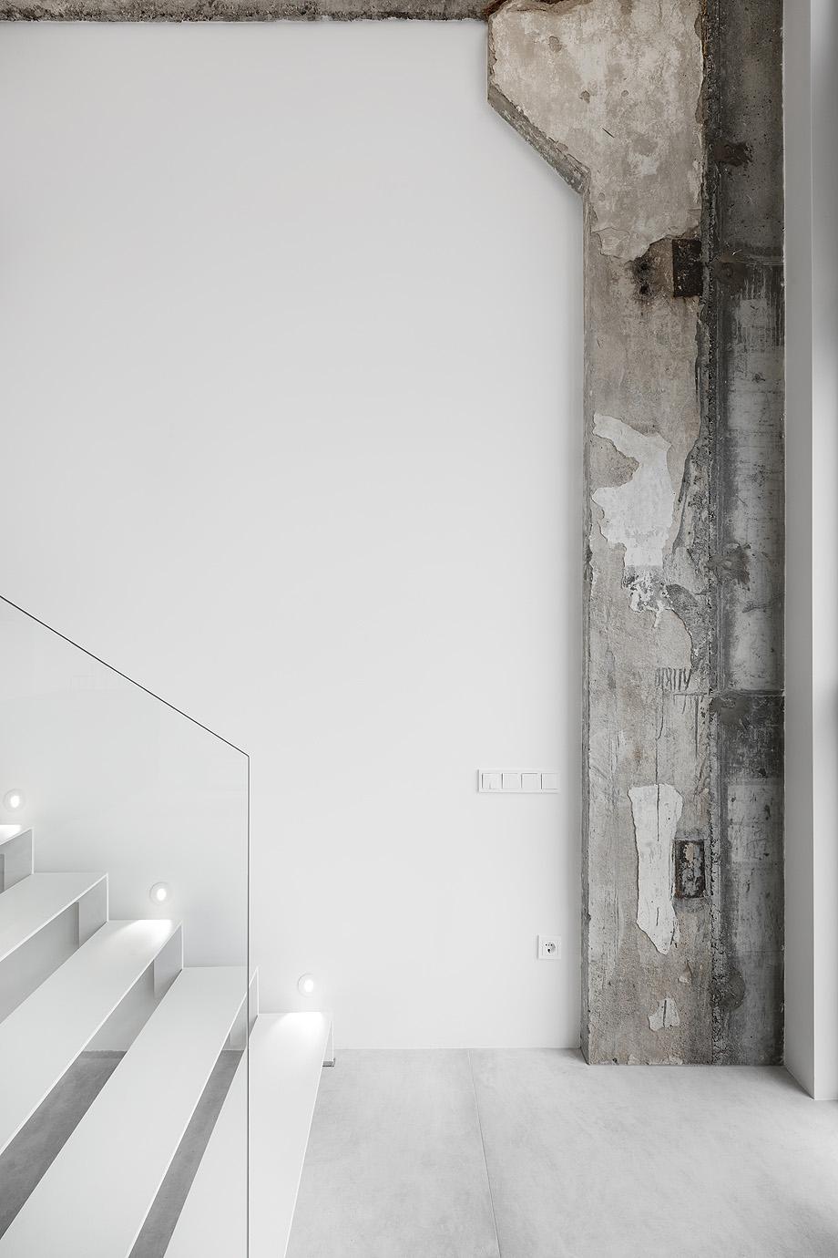 loft minimalista de idwhite - foto leonas garbačauskas (21)