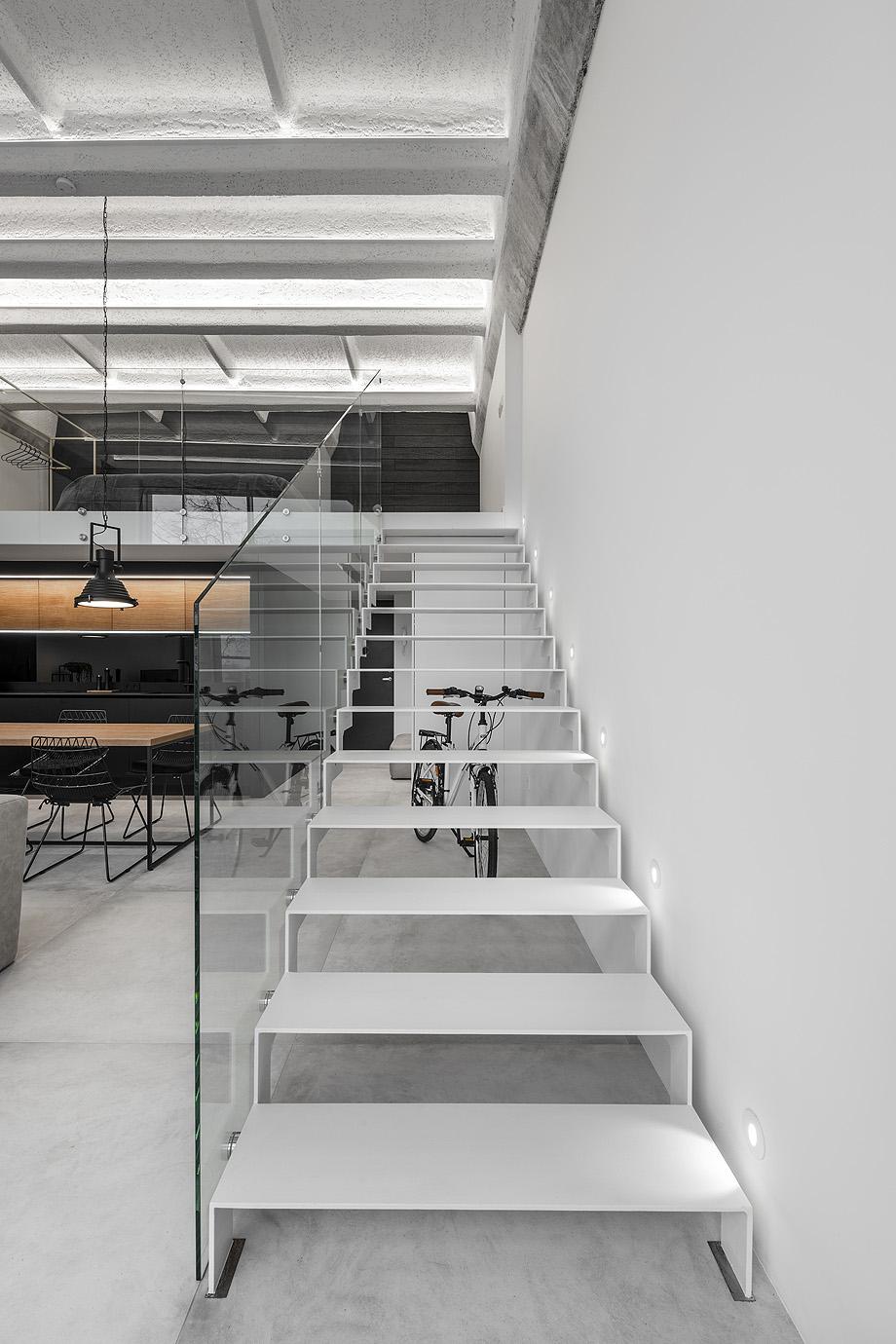 loft minimalista de idwhite - foto leonas garbačauskas (8)