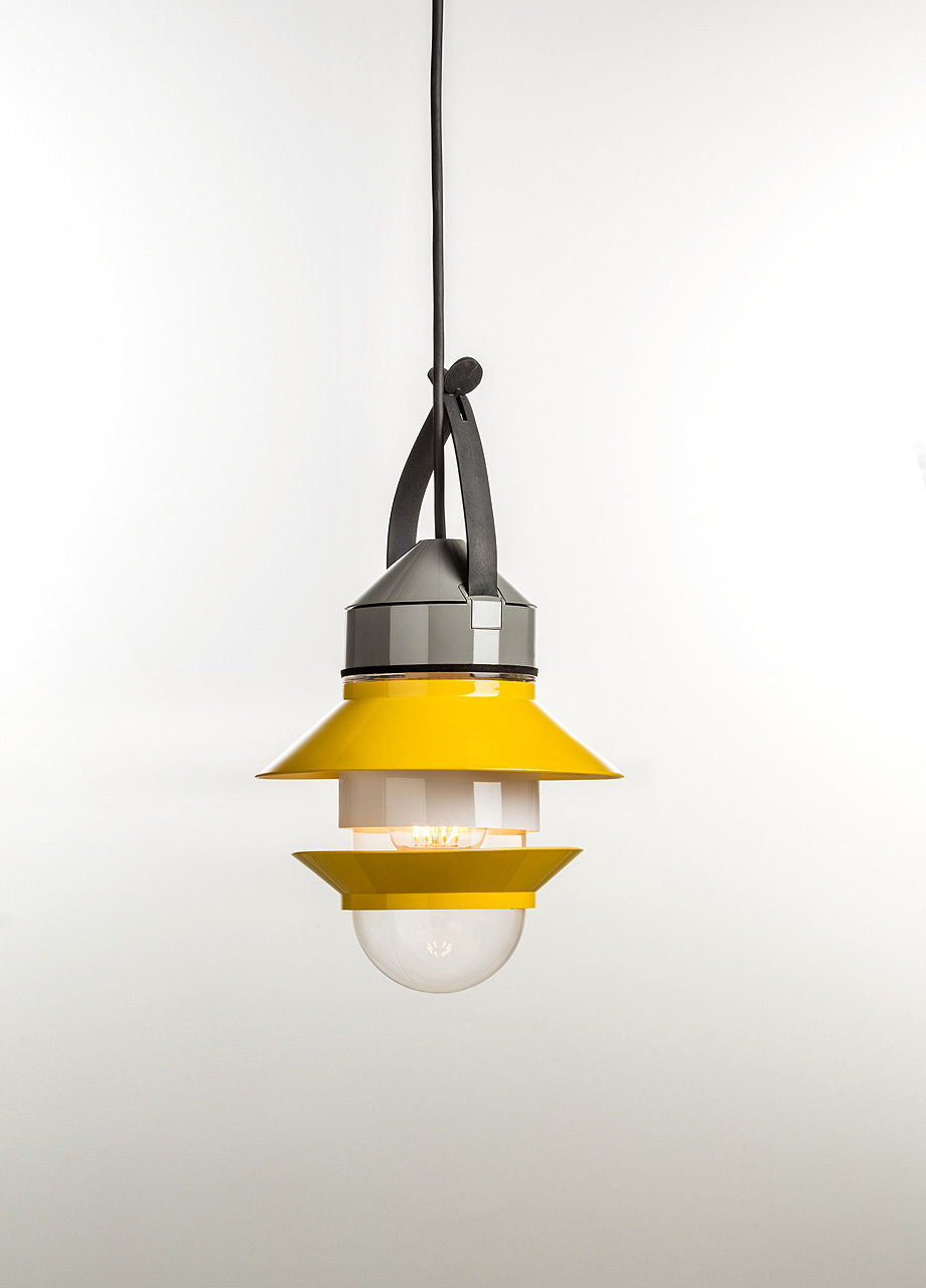 24. Lámpara de suspensión Santorini (2016) de Sputnik Studio