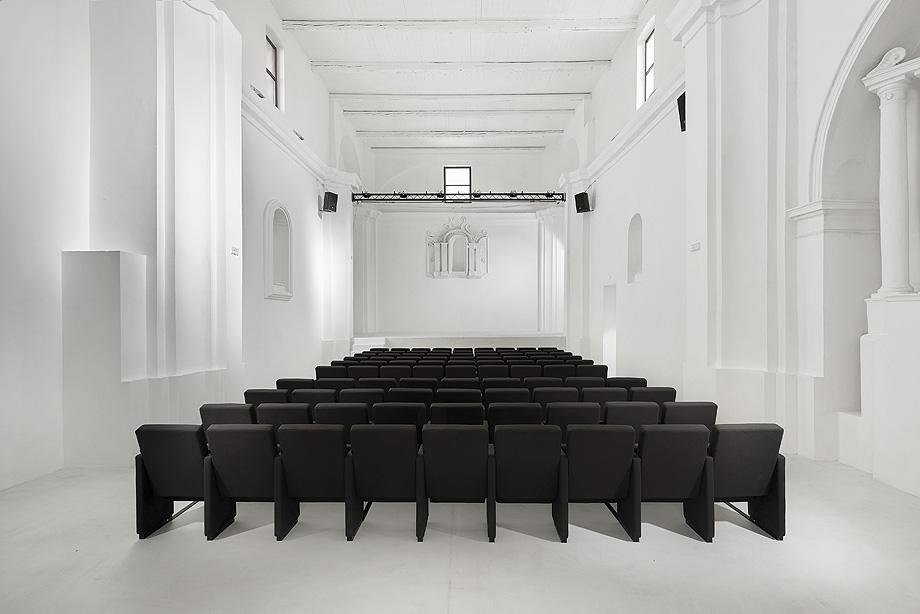 de iglesia a teatro por luigi valente y mauro di bona - foto s. pedretti (1)
