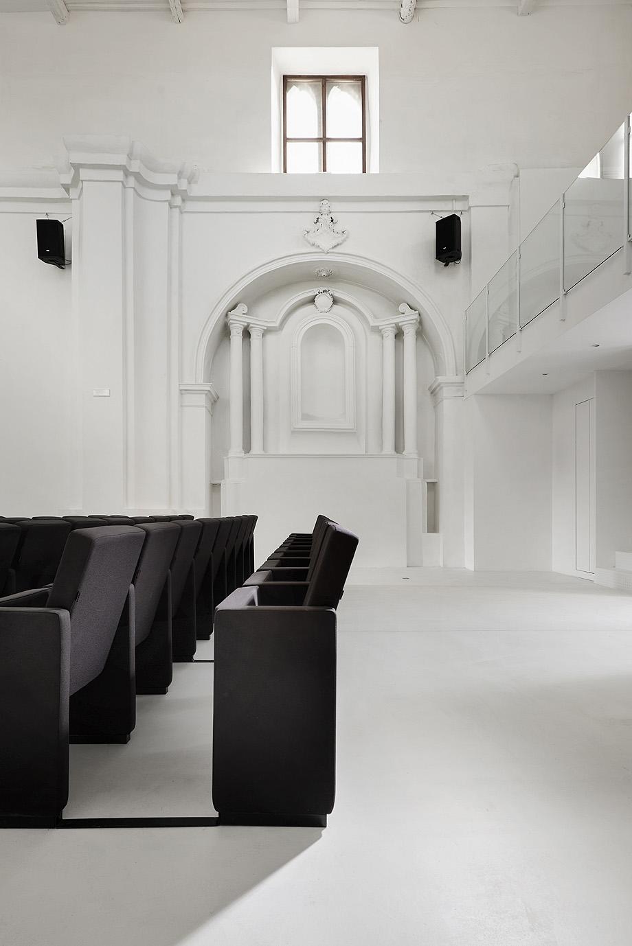 de iglesia a teatro por luigi valente y mauro di bona - foto s. pedretti (5)