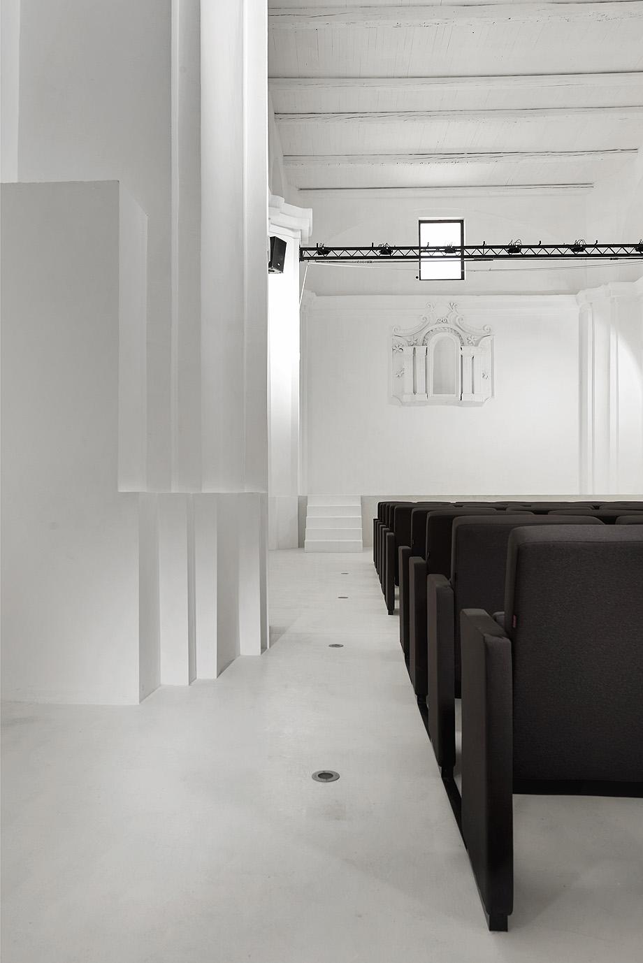 de iglesia a teatro por luigi valente y mauro di bona - foto s. pedretti (8)