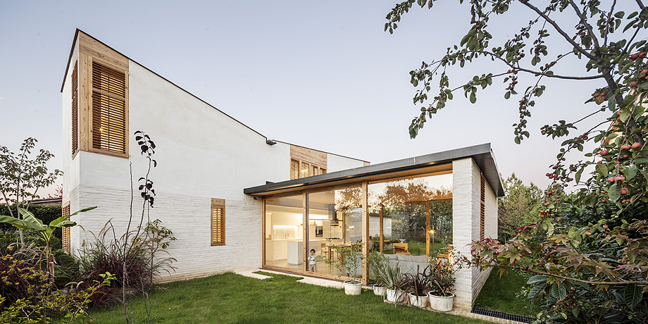 casa nostra de tallerdarquitectura - foto adria goula (1)