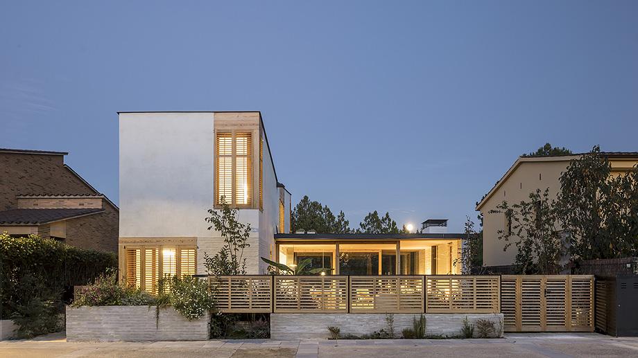 casa nostra de tallerdarquitectura - foto adria goula (11)