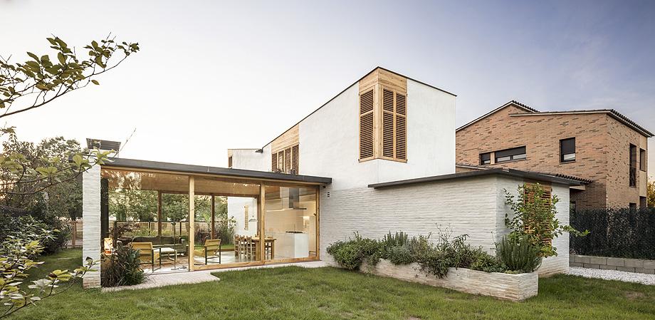 casa nostra de tallerdarquitectura - foto adria goula (2)