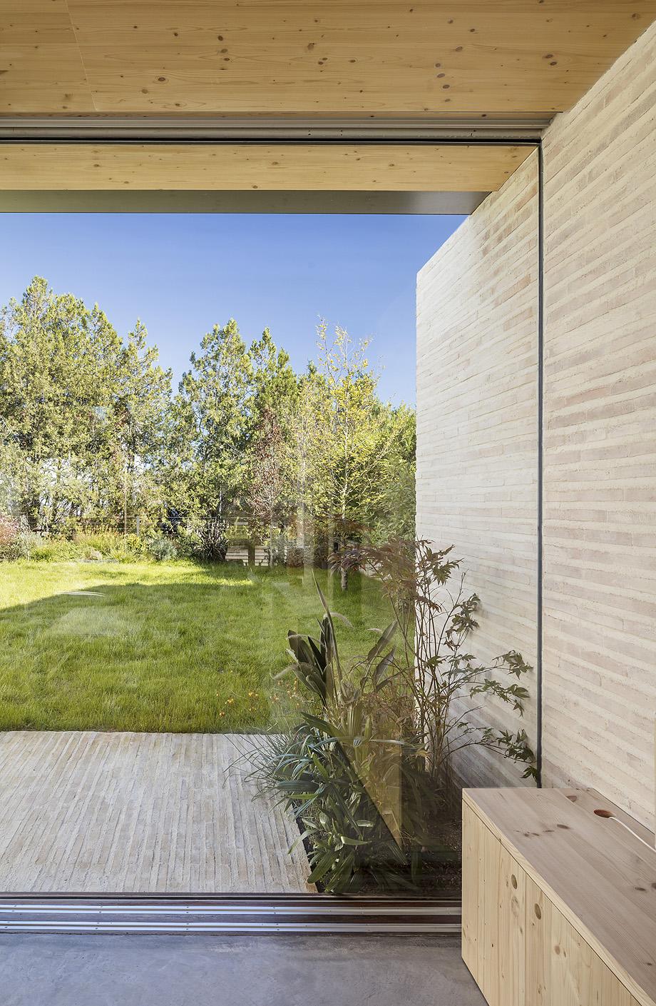 casa nostra de tallerdarquitectura - foto adria goula (9)
