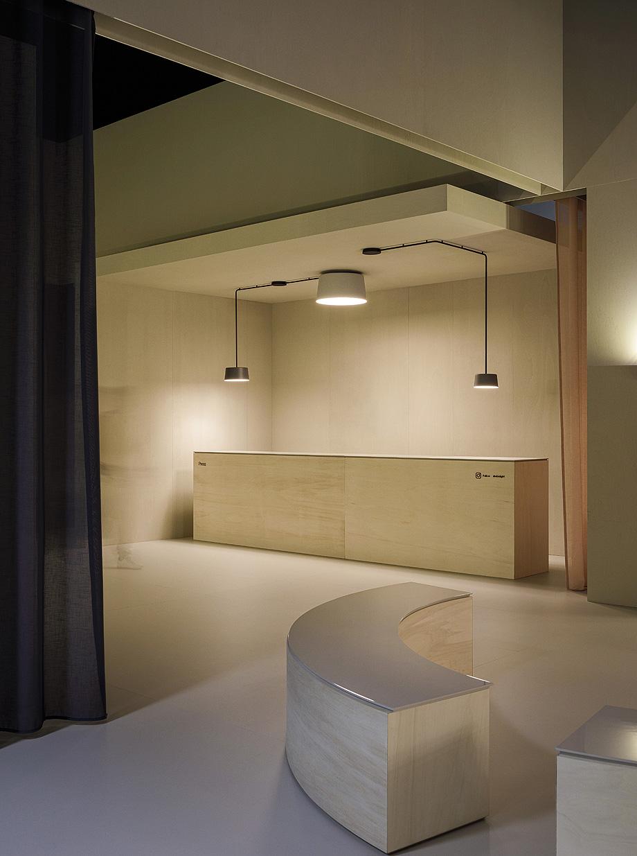 lampara tube de ichiro iwasaki y vibia (1)