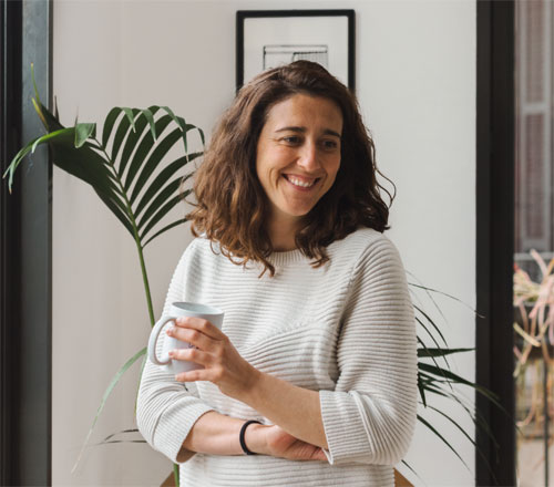nueva tienda de biosca & botey en la calle princesa de barcelona - retrato helena puig de piedra papel y tijera (6)
