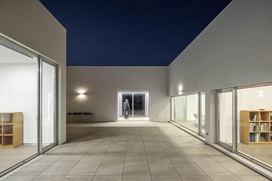 Edificio Industrial PRF do atelier Impare Arquitectura com Fotografia de arquitectura portuguesa fotografo Ivo tavares studio.