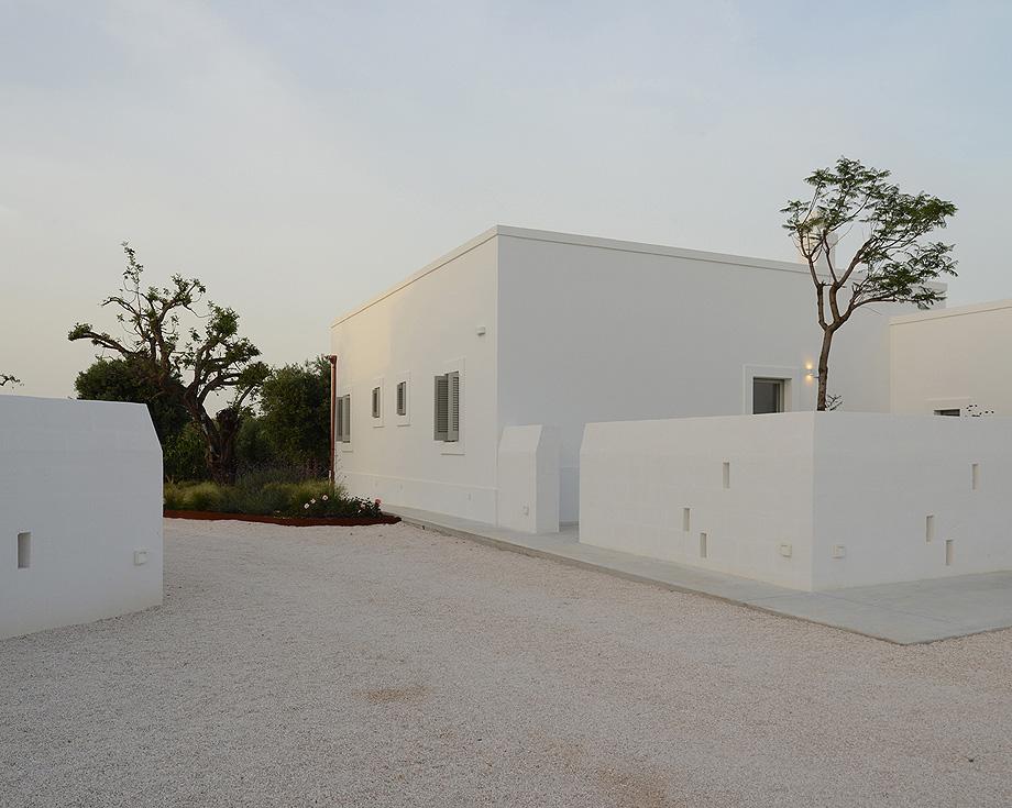 masseria pensato de deda & florio architetti - foto alan riddle (11)
