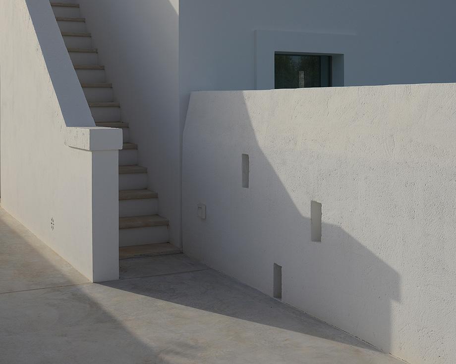 masseria pensato de deda & florio architetti - foto alan riddle (8)
