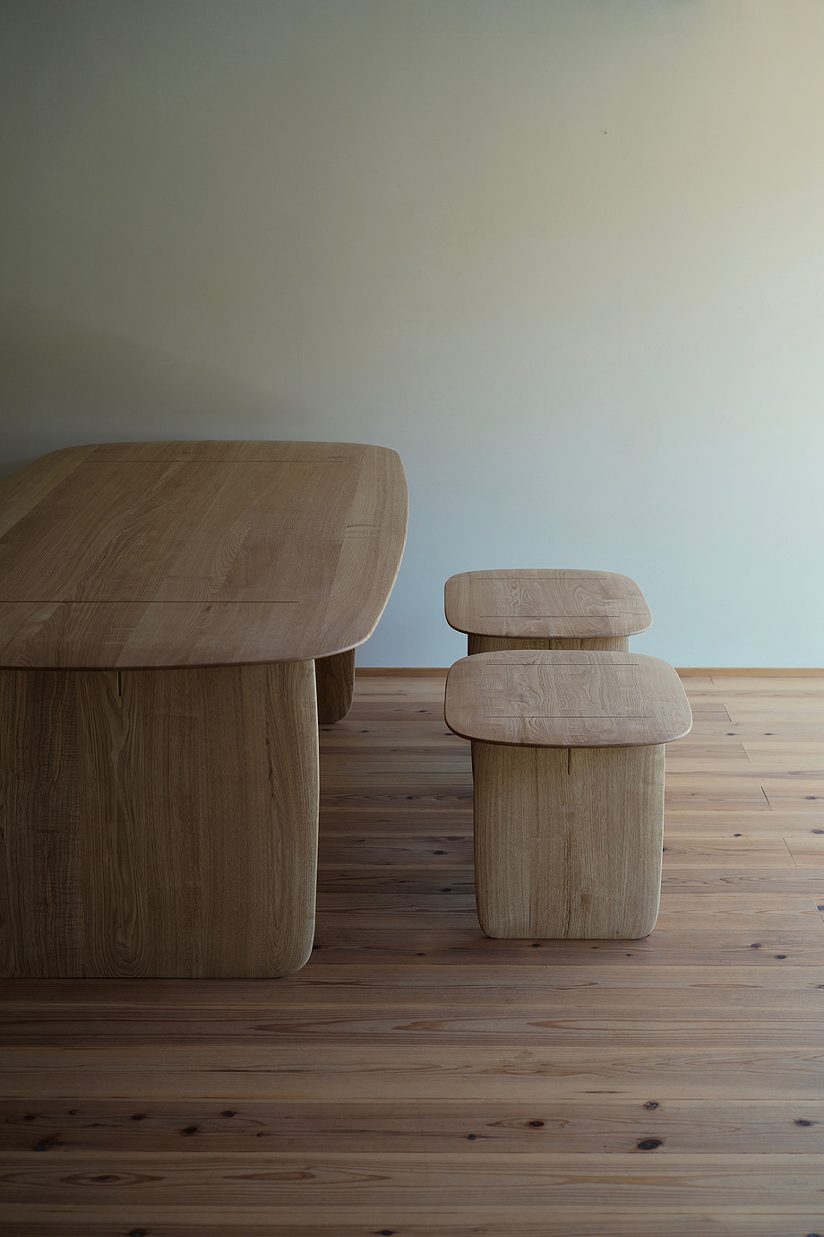 mesa y banco hand de claesson koivisto rune y Sasimonukagu Takahashi (4)