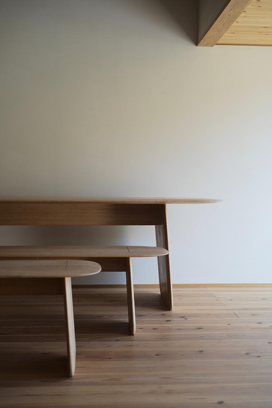 mesa y banco hand de claesson koivisto rune y Sasimonukagu Takahashi (6)