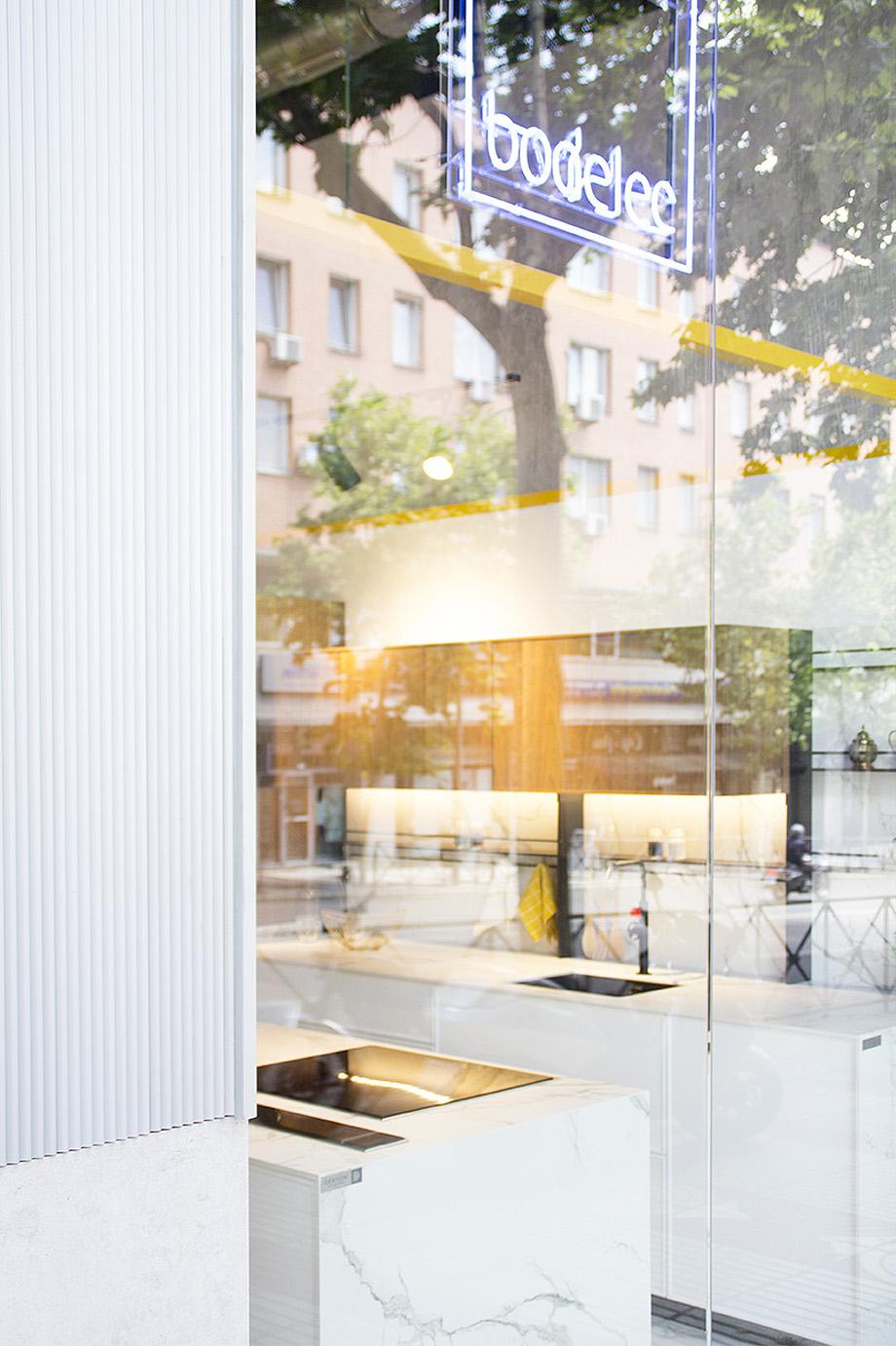 showroom cocinas bodelec en madrid de pentamera - foto carlos anton de la vega (3)