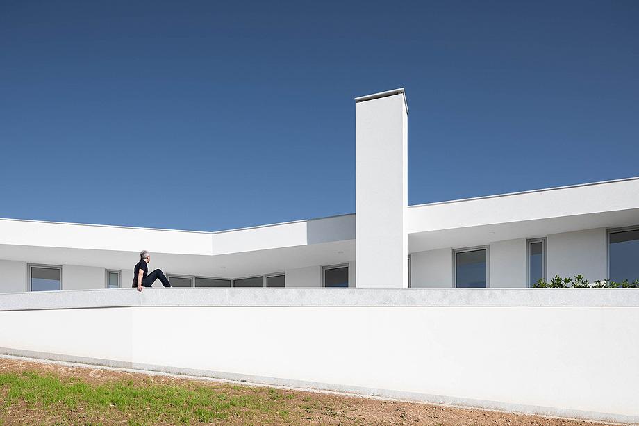 Casa em Lamego do Arquitecto António Ildefonso com fotografia de arquitetura Ivo Tavares Studio