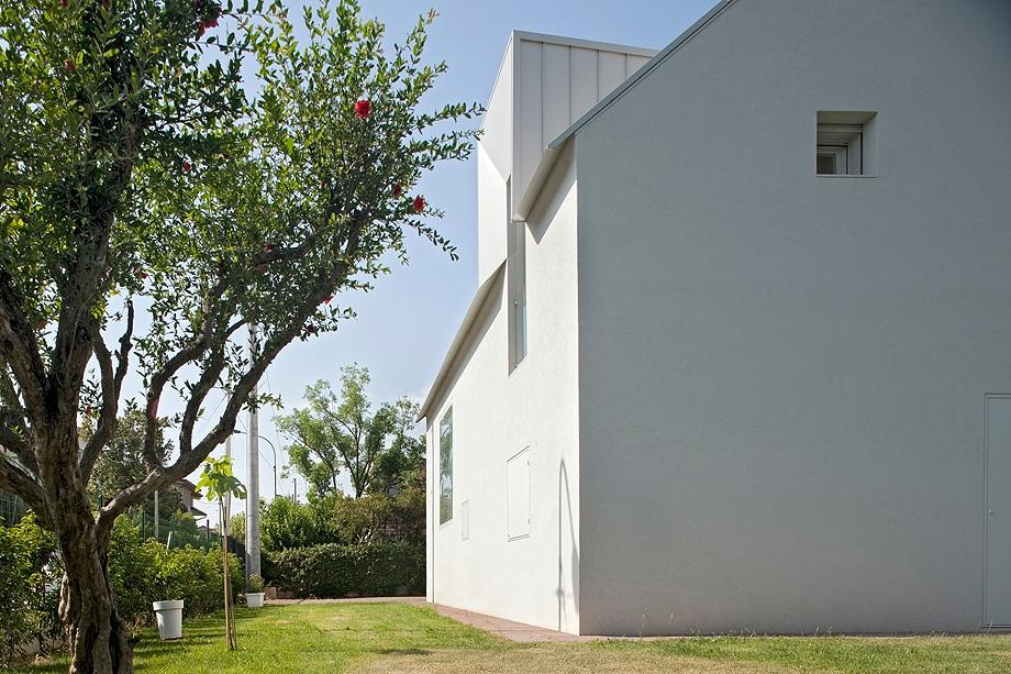 casa en pordenone de corde architetti associati - alessandra bello (13)