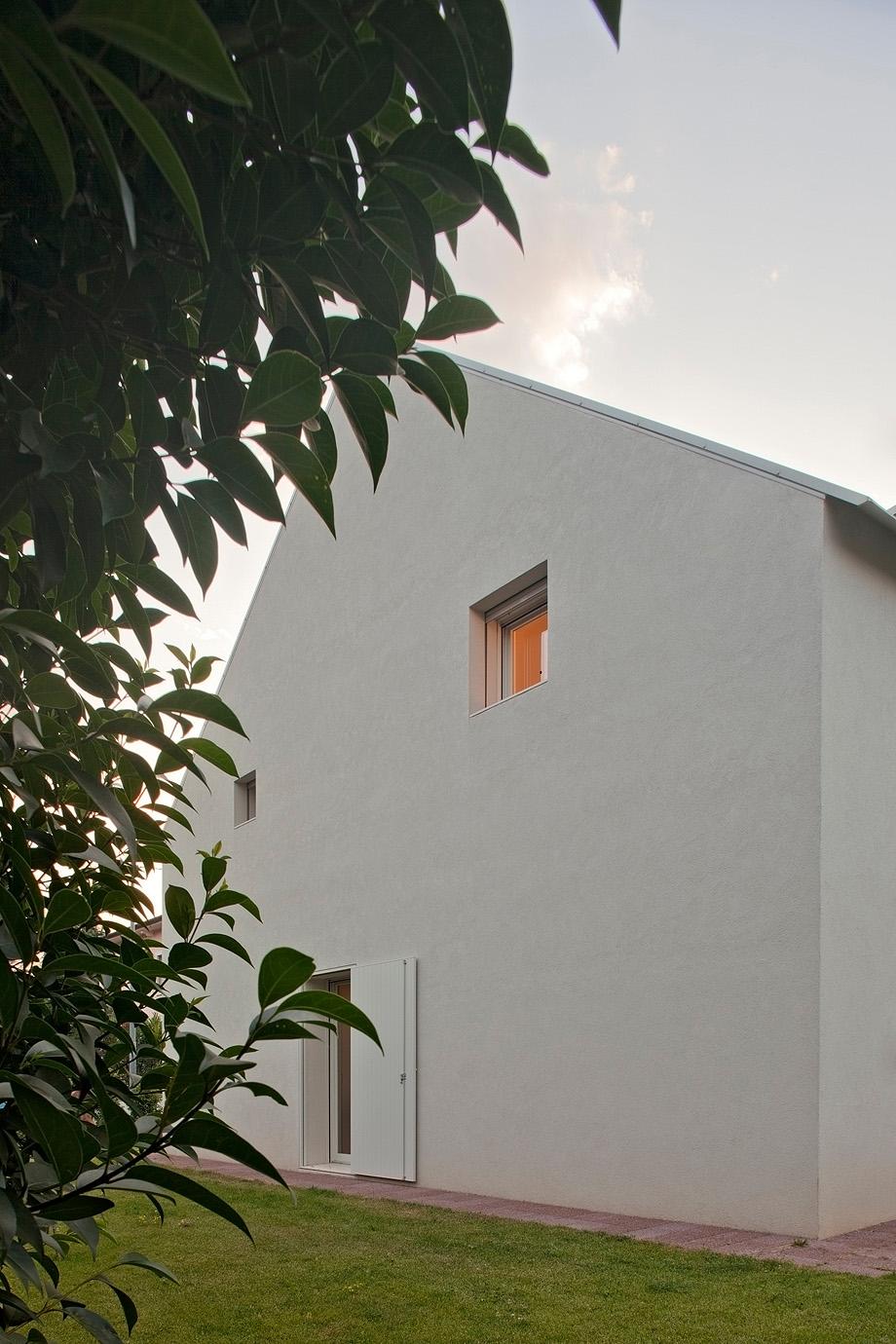 casa en pordenone de corde architetti associati - alessandra bello (18)