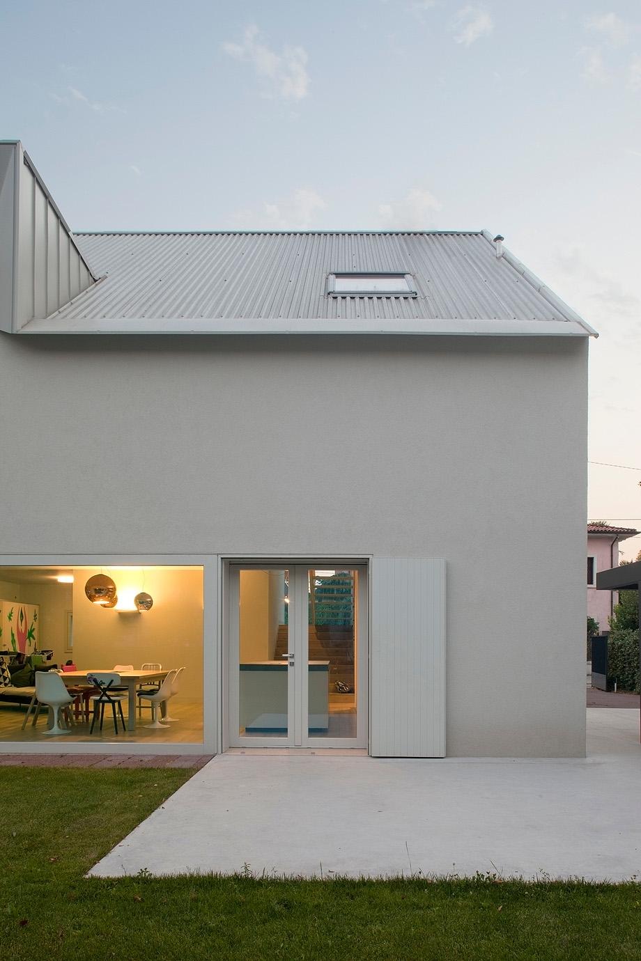 casa en pordenone de corde architetti associati - alessandra bello (20)