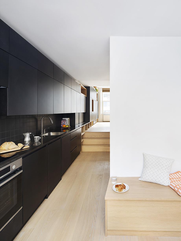 edificio convertido en apartamentos de mata architects - foto ollie hammick (7)