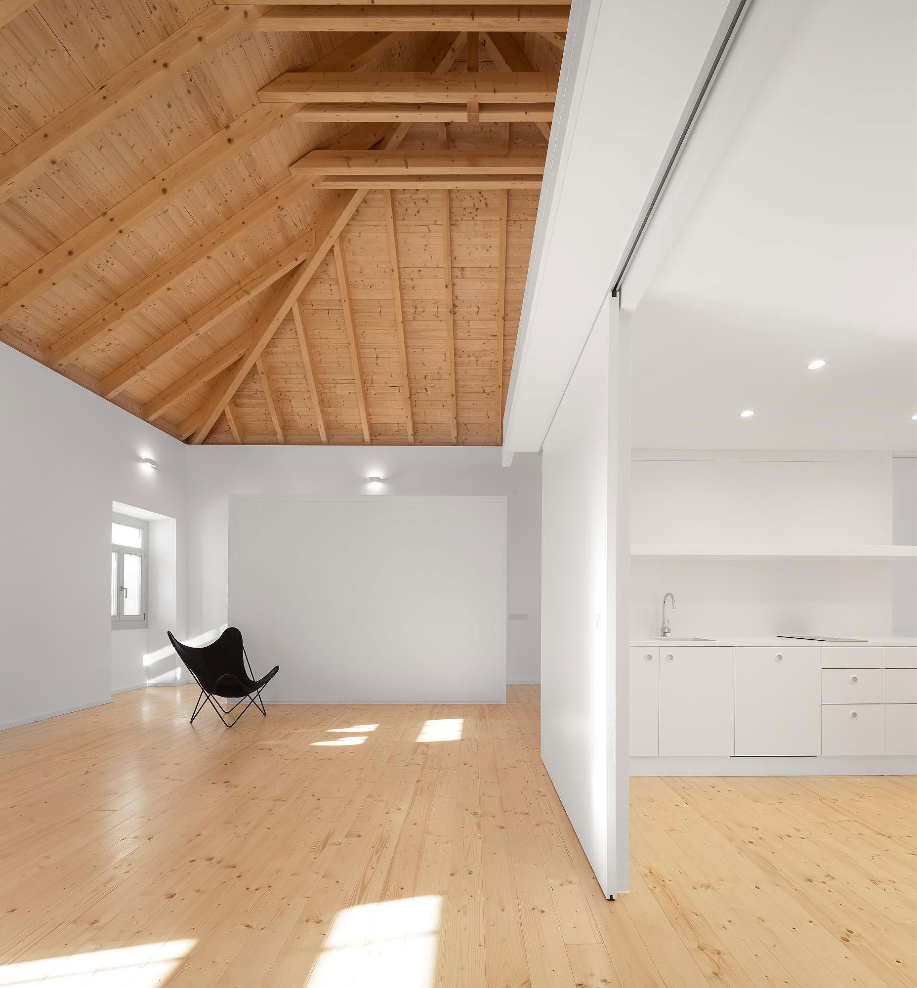 Histórica edificación convertida en galería de arte y loft, por