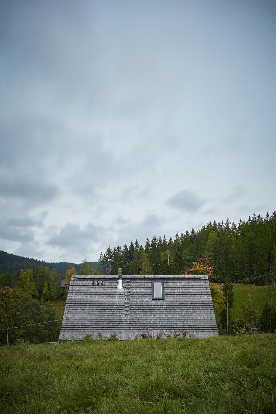 casa en las montañas beskydy de pavel micek - foto boysplaynice (13)