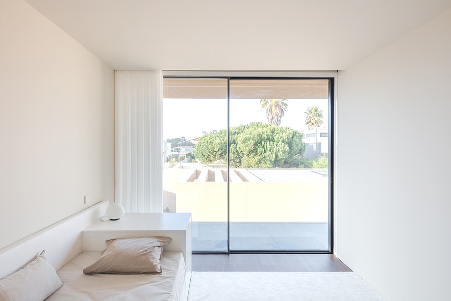 casa en areia portugal de raulino silva - joao morgado (18)