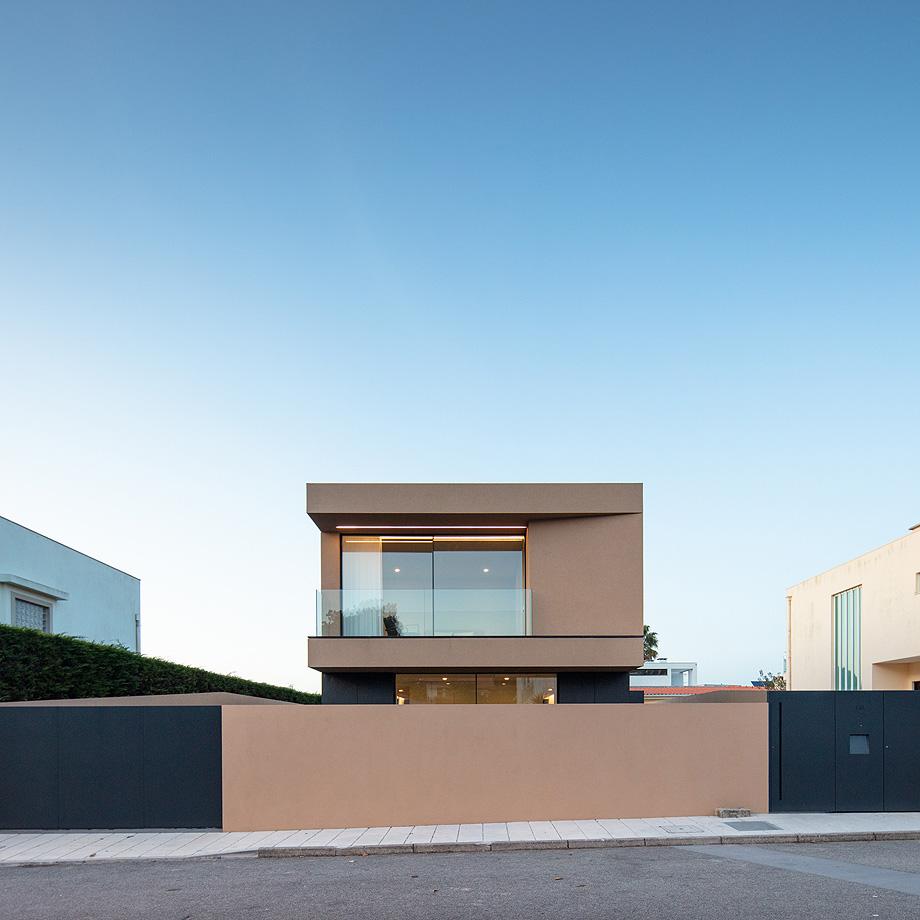 casa en areia portugal de raulino silva - joao morgado (21)