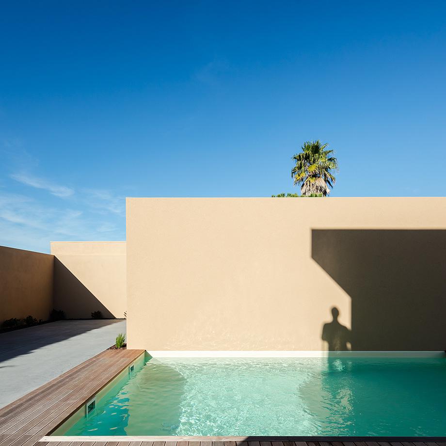 casa en areia portugal de raulino silva - joao morgado (4)
