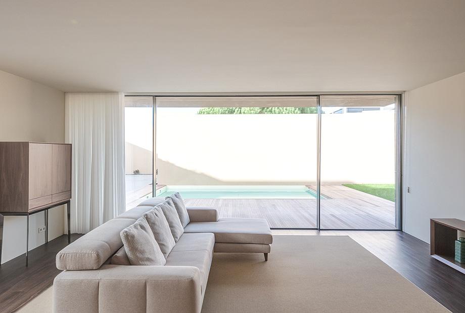 casa en areia portugal de raulino silva - joao morgado (9)