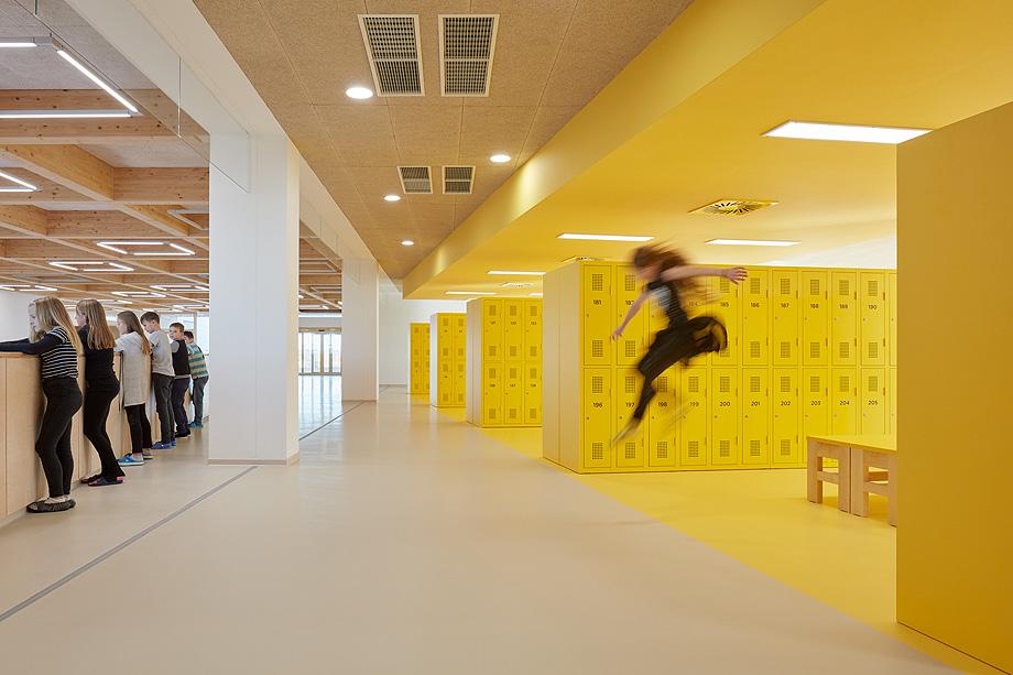 escuela de primaria de soa architekti - foto boysplaynice (4)