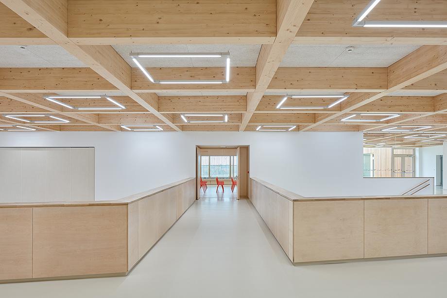 escuela de primaria de soa architekti - foto boysplaynice (6)