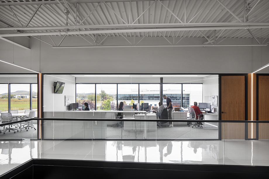showroom wetstyle en montreal de atelier moderno y wetstyle design lab - foto adrien williams (4)