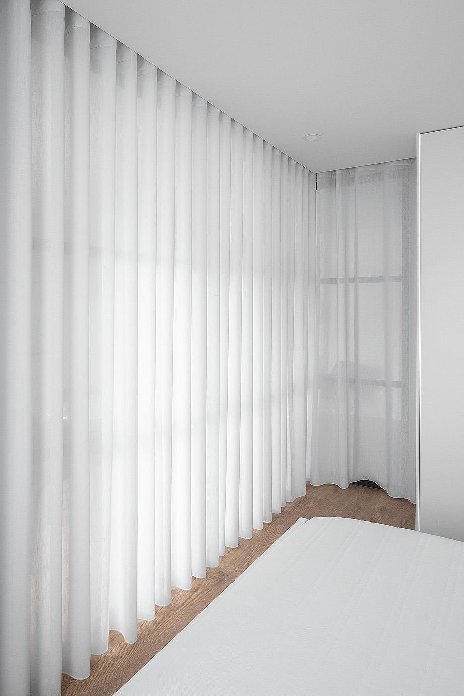 Apartamento de estudantes em Santa Cruz, Braga do Atelier de Arquitectura João Nuno Macedo Arquitecto com fotografia de arquitetura Ivo Tavares Studio
