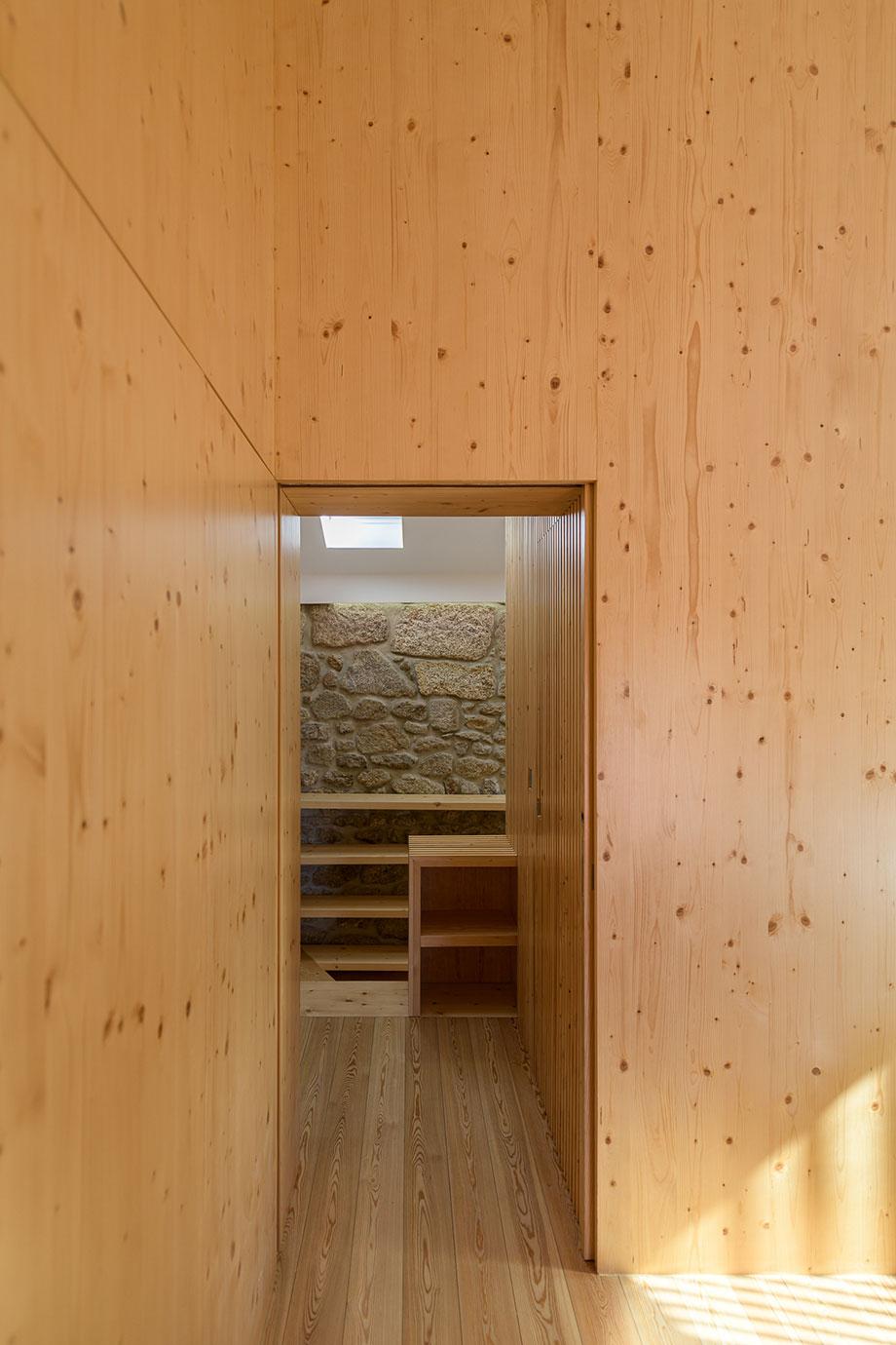 casa rural en portugal de hbg architects (11) - foto ricardo oliveira alves