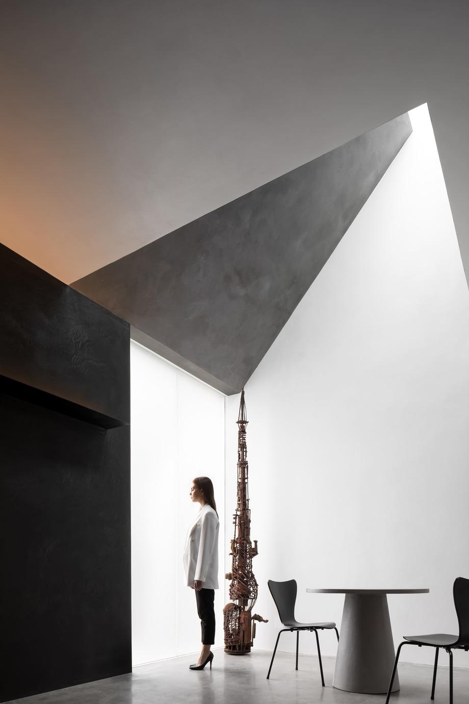 danilo paint showroom de jg phoenix (9) - foto ouyang yun
