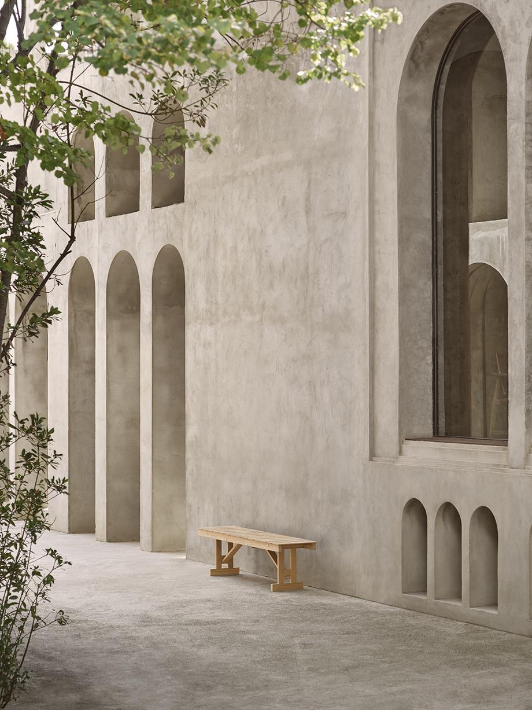 mesa y banco para exteriores de borge mogensen producidos por carl hansen & son (1)